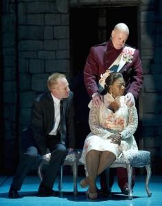 Dan Donahue, Greta Oglesby & Jeffrey King in OSF's 'Hamlet'