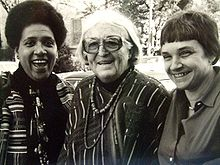 Meridel Le Sueur (middle) with writers Audre Lorde (left) and Adrienne Rich (right) at a writing workshop in Austin, Texas, 1980